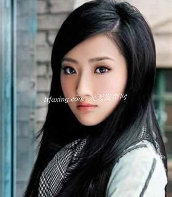 简单大方长直发发型适合什么脸型 zaoxingkong.com