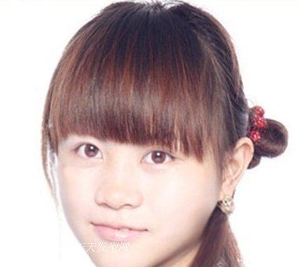 简单甜美齐刘海直发发型扎法让你瞬间变身美少女 zaoxingkong.com