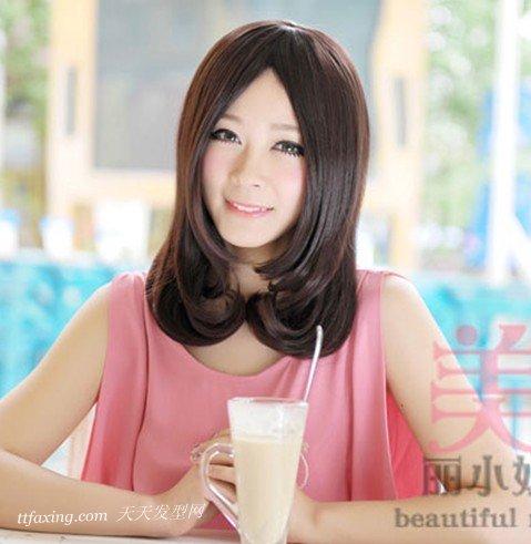 魅力迷人的夏季慵懒型卷发 zaoxingkong.com