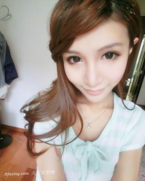 2013新颖发辫刘海发型五种风格来助阵 zaoxingkong.com