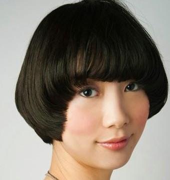 女生蘑菇头短发发型图片 最新蘑菇头发型弥漫浪漫气息图片