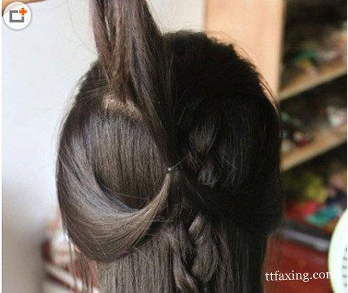 女生中分直发发型扎法 简单打造甜美淑女范儿 zaoxingkong.com