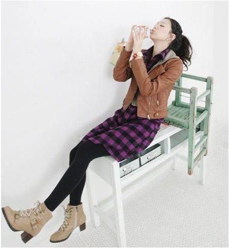 马丁靴搭配短裙 长腿MM搭出来 zaoxingkong.com